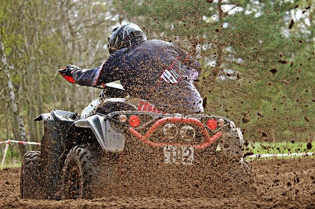 motocross v blátě