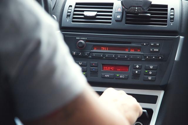 ovládání v autě